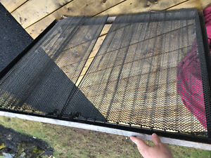 Free fireplace screen