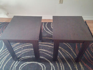 End table set - excellent condition