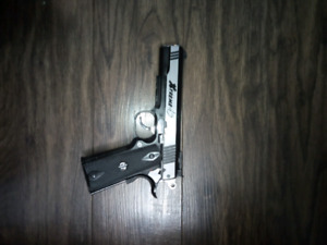 G&G  1911 extreme .45 air like new