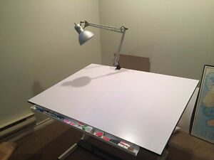 """Drafting table (36"""" x 48"""") in new condition with free lamp"""