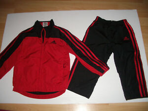 """""""""""ADIDAS """""""""""" ---- 1 time dressed --- suit --- size 3T"""