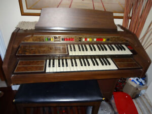 THOMAS PLAYMATE ORGAN $60 OBO