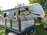 FIFTH WHEEL CROSS ROAD KINGSTON 36 PDS COMME NEUVE 4 EXTENSIONS