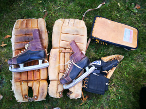 Reduced - Old hockey equipment