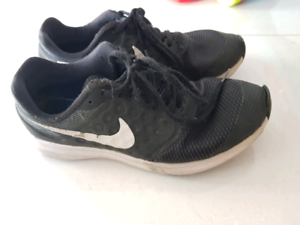 Nike size 3/4 youth.