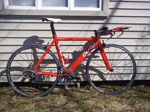 Vélo de TT/triathlon Guru Ventus 54cm