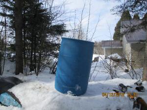 Barils de plastique de 55 gallons à vendre