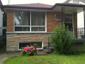 Student house for rent near MacMaster University