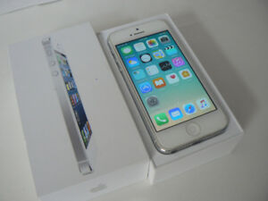 iphone 5 Pearl white silver UNLOCKED Bell rogers chatr freedom
