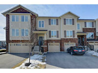 IMMACULATE TOWNHOUSE WITH 3 CAR PARKING IN ANCASTER *OPEN HOUSE*