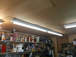 used 8 foot double bulb fluorescent lights