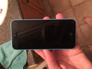 Selling iPhone 5c (blue )