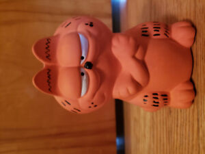 Garfield piggy bank
