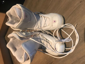 Selling size 7 snowboarding boots