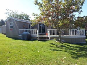 Like New Custom Park Model - 3 bedroom -Close to Sandbanks Dunes