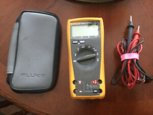 Fluke multimeter .. seldom used ..like new