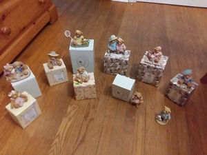10 cherished teddies in boxes