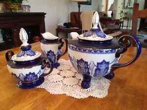 Bombay Tea Pot, Sugar Bowl, Creamer