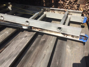 24 foot extension ladder in great shape...hardly used $100