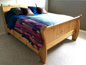 Solid Wood Sleigh Bed and Bedroom Set