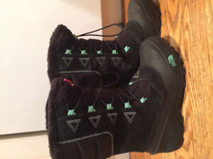 Youth or women's north face boots
