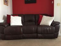3 piece leather suite includes 4 recliners