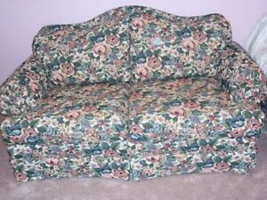 *** GREAT DEAL**** QUALITY, CUSTOM MADE LOVE SEAT**** Stratford Kitchener Area image 2