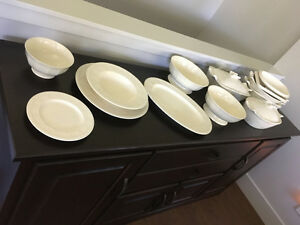 Dinnerware and bakeware set