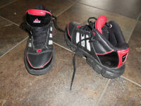 ADIDAS basketball shoe size3.5 Y great condition