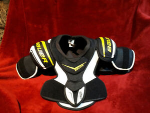 Bauer Supreme 150 chest protector