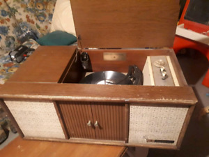 Vintage Record/AM Tube Stereo