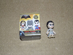 FUNKO, PRINCESS DIANA, MYSTERY MINIS, BATMAN VS. SUPERMAN, VINYL