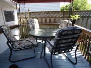 Patio Dining Set, 48-inch Round Table 4 Chairs and Cushions