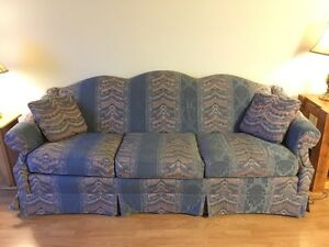 Vintage couch - perfect condition!