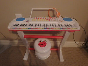 ELMO Learn to Play Keyboard with Microphone and Stool