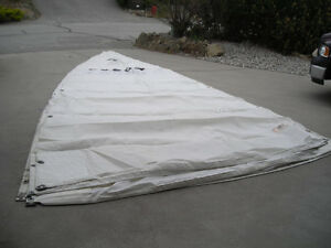 MAIN, GENOA, SPINNAKER FOR APPROX 27 - 30 FOOT BOAT