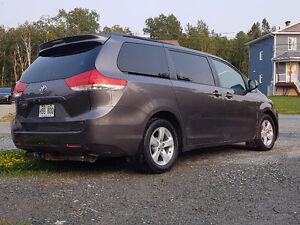 2011 Toyota Sienna LE Fourgonnette, fourgon