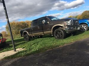 Beautiful 2006 Ford F-350 financing available !!