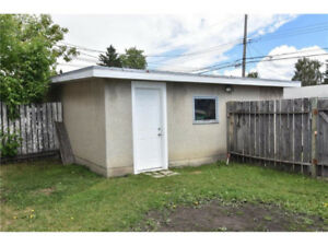 Single detached garage for rent - 5 mins to downtown