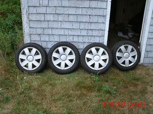 185-55-15/195-55-15 Snow tires/rims.