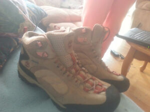 womans timberland hiking boots