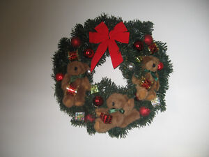 TEDDY BEAR AND BOWS CHRISTMAS WREATH Kingston Kingston Area image 1