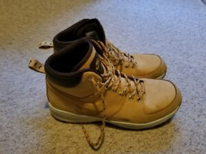 Nike Boots - Men's Size 11