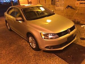 2013 Volkswagen Jetta 2.0 81000 km Sun roof and Heated seats