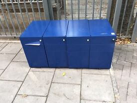 8 x metal pedestals in blue & grey on clearance just £5 each