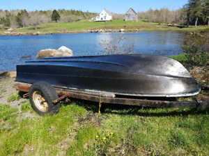 12 ft fiberglass boat and 2  mid 80s 9.9 evinrude $1000 obo