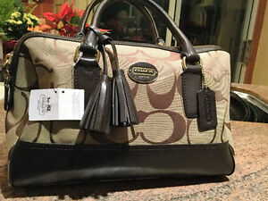 Authentic Coach Handbag 4 Sale!