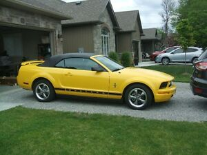 2006 Ford Mustang leather Convertible