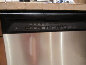 GE Stainless Steel Dishwasher -Lave Vaisselle-Moving Sale