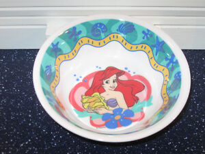 ...One Piece of CHILD'S DISNEY DINNERWARE...HOME PRESENCE...
